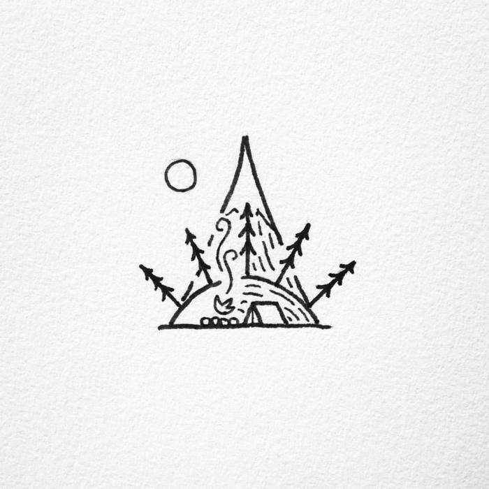 triángulo, árboles, fuego luna, ideas de pequeños tatuajes simbólicos que pueden ser diseños de tatuajes