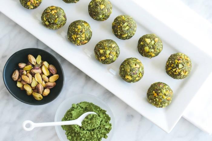 ideas para una merienda salubale, picaduras energéticas con pistacho, recetas fáciles y rápidas para hacer en casa