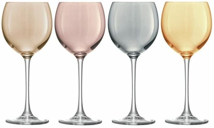 regalar copas para vino de cristal a tu suegra, fotos con ideas de regalos de cumpleaños originales para el dia de la madre