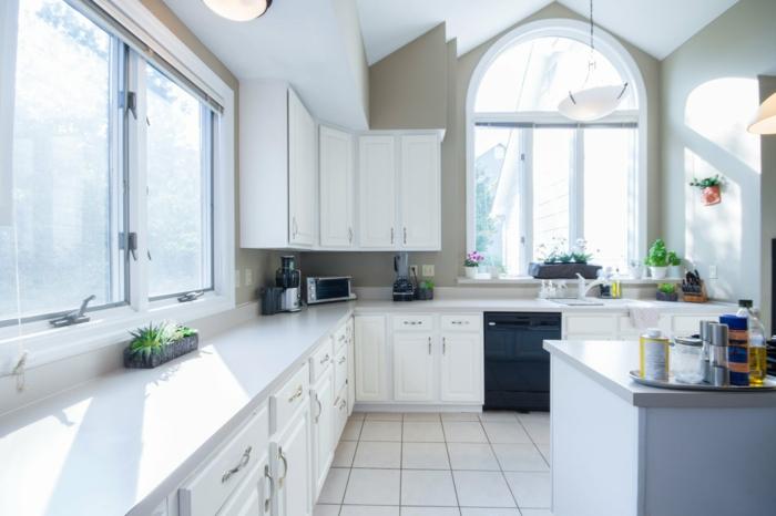 fotos de cocinas abiertas al salon modernas con grande barra, ideas sobre cómo amueblar o renovar una cocina
