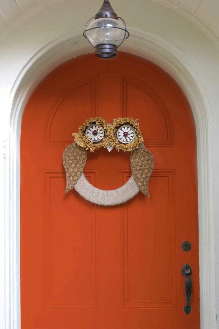 budo DIy para decorar la purta en halloween, ideas de puertas decoradas Halloween, fotos con decoración casera otoño