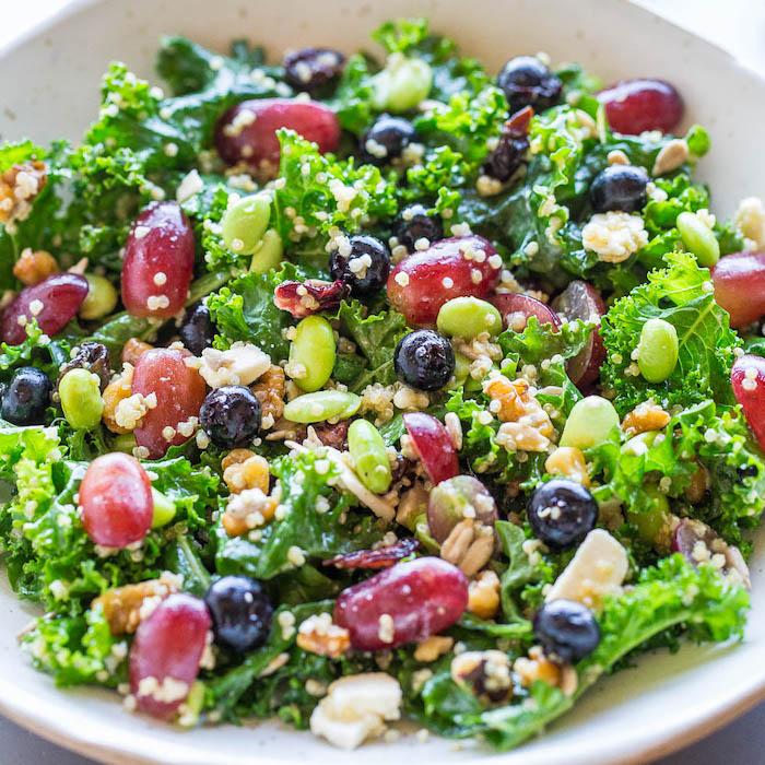 ensaladas exóticas con frutas y verduras, cenas saludables ligeras para preparar en 10 minutos, ensaladas para cenar