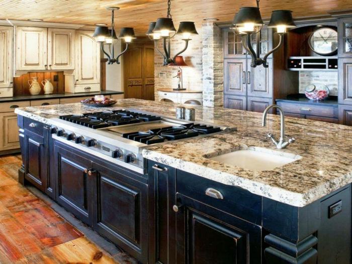 grande barra multifuncional con encimera de marmol, cocinas abiertas al salon decoradas en estilo rústico moderno
