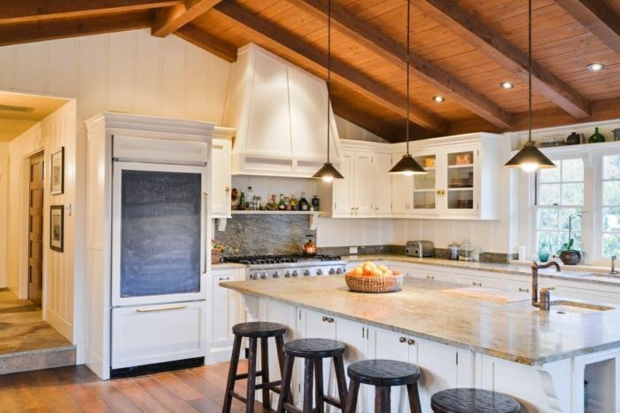 decoracion de cocinas en estilo rústico moderno, espacio abuhardillado, cocina decorada en estilo rústico moderno con muebles en blanco