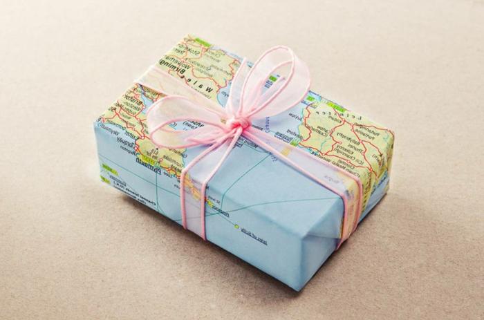 pequeño detalle con embalaje de papel reciclado mapas, pequeños detalles para sorprender a tus amigos