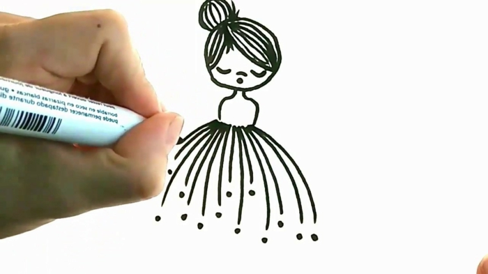 dibujo de pequeña niña con marcador negro, ideas de cosas de dibujar para principiantes, 90 ideas de fotos y videos