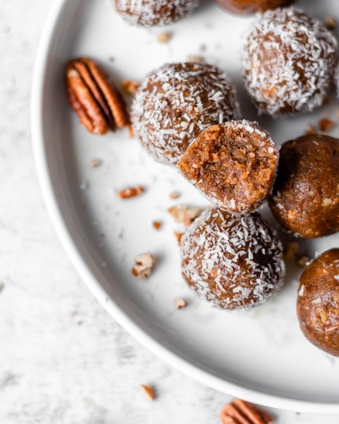 recetas con nueces pecanos, postres y dulces fáciles de hacer, bocados energéticos con gengibre, miel y ralladura de coco
