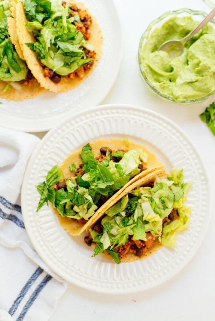 tortillas con vegetales, cenas bajas en calorias y saludables, ideas de recetas con aguacate, fotos de platos saludables