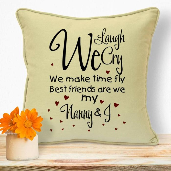 cojin decorativo personalizado, ideas de regalos sentimentales abuela, regalos originales para mujeres, fotos de regalos bonitos