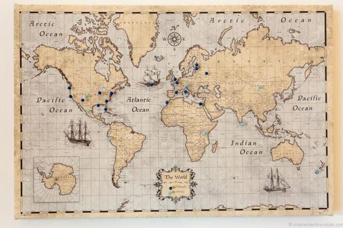 mapa del mundo en estilo vintage, las mejores ideas de regalos temáticos para viajeros en mas de 90 fotos