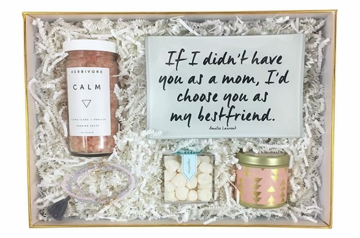 si no te tenia como madre, te escogeria para mi mejor amiga, regalos originales para mujeres en fotos, frascos llenos de caramelos
