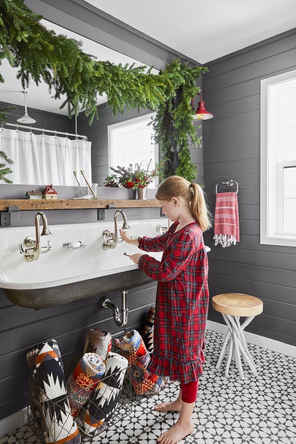 magníficas propuestas sobre como decorar la casa con guirnaldas navideñas, tutoriales y tendencias en la decoración navideña 2019