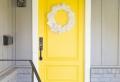 Fantásticas ideas de puertas decoradas de Navidad para llenarte del espíritu navideño