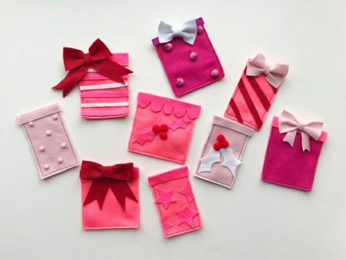 regalos para novio en navidad, ideas sobre como sorprender a mi pareja, calendario de adviento de fieltro para llenar con chocolates