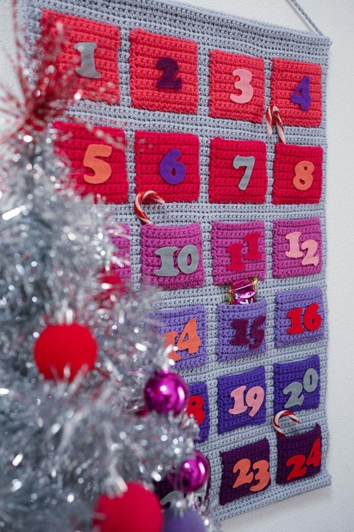 ideas de calendarios DIY originales para marcar el período del adviento, manualidades a crochet originales, fotos de manualidades