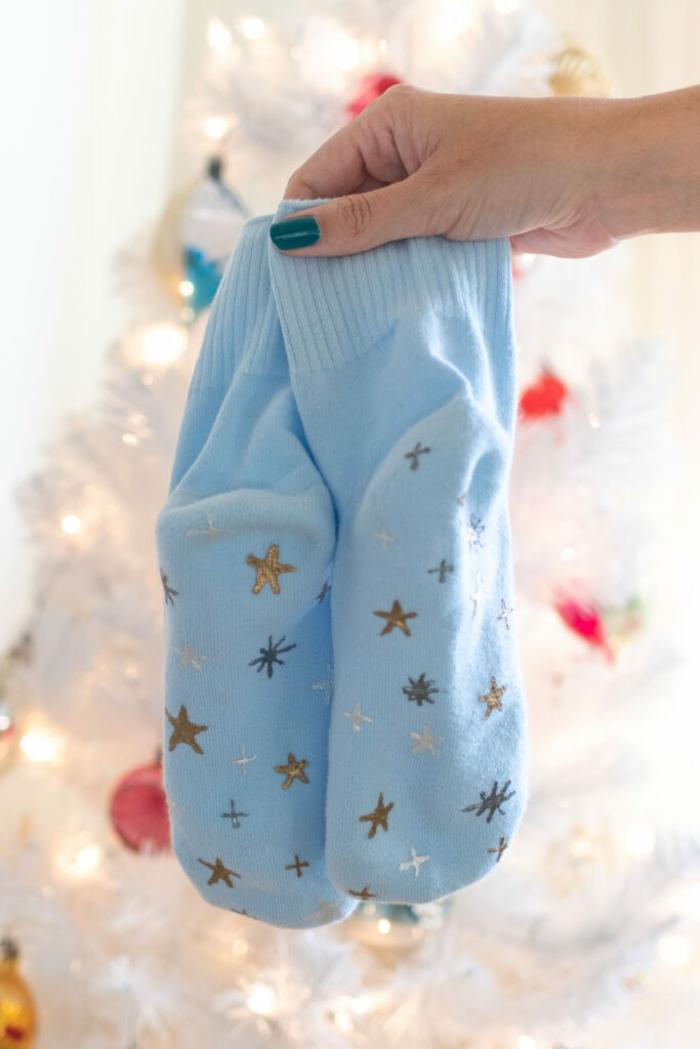 regalos especiales para amigas y mejores amigas, fotos de manualidades para regalar, calcetines navideños bonitos