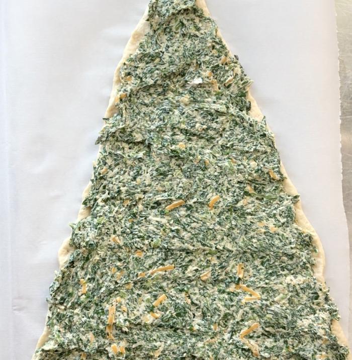 como hacer un arbol navideño de hojaldre, rellenos salados, arbol rico con relleno de espinacas y quesos, recetas en fotos