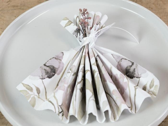 preciosas propuestas de detalles originales hechos de servilletas, servilletas de papel de forma original, ideas DIY con servilletas