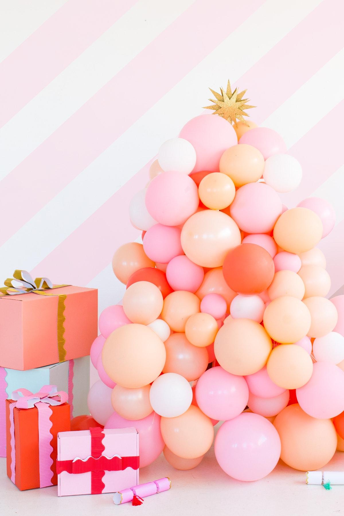 fantásticas ideas sobre como hacer un arbol de navidad inusual y bonito, manualidades para decorar la casa en navidad