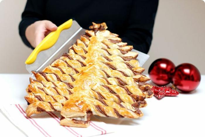 tratos navideños para una cena en casa, geniales ideas de postres que puedes preparar en media hora, hojaldre con chocolate