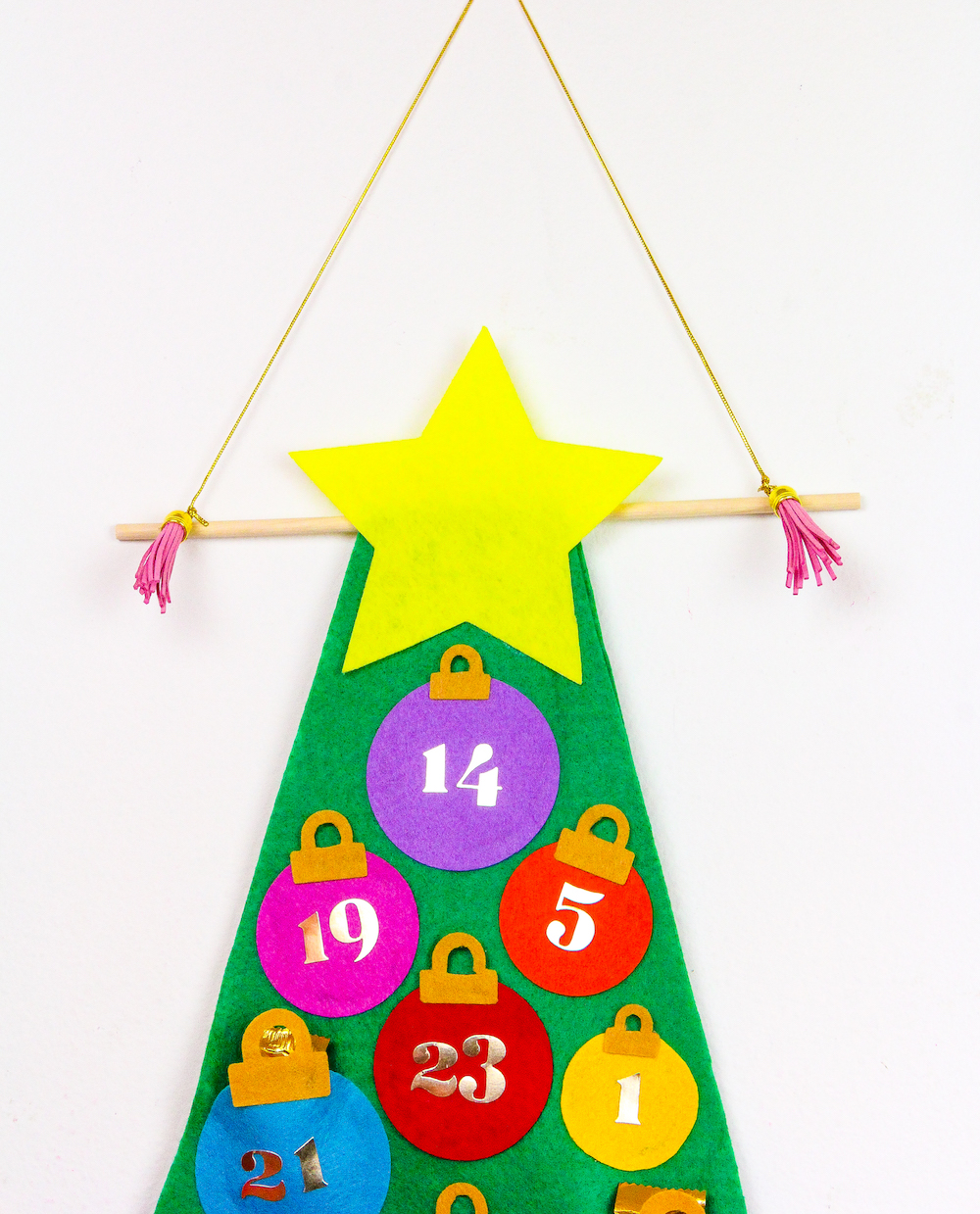 calendario de adviento chocolate y golosinas, preciosas ideas sobre como decorar la casa en navidad, manualidades pequeños y adultos