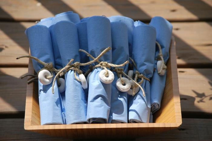 ideas de doblaje de servilletas para una boda de verano, servilletas de papel de forma original, fotos de servilletas dobladas
