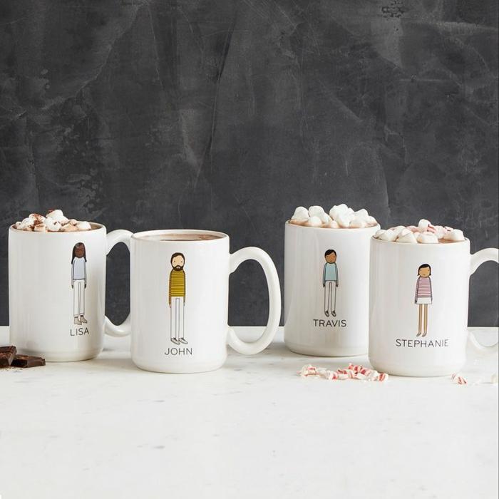 fotos de regalos navidad para toda la familia, tazas personalizadas con dibujos y nombres, fotos de regalos DIY bonitos