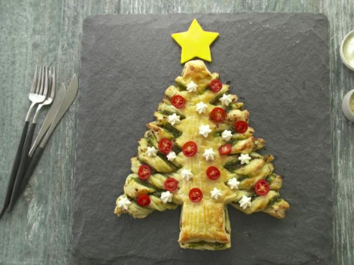 recetas con hojaldre ricas, tarta salada caprese con albahacas queso y tomates uva, platos caseros ricos en fotos