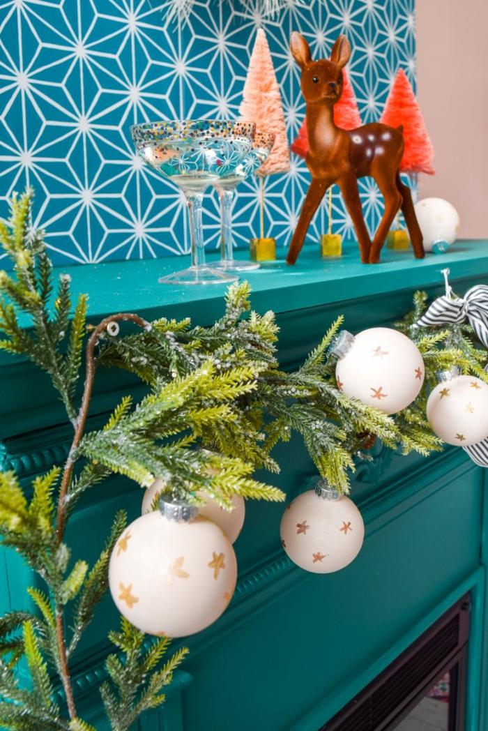 como hacer una corona de navidad casera paso a paso, detalles decorativos estilosos para decorar el hogar esta navidad