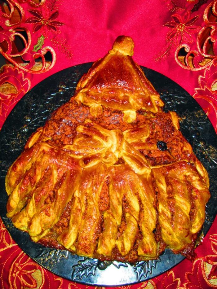empanada salada de hojaldre con carne picada, postres faciles y rapidos de hacer en casa y entrantes fáciles de hacer para navidad