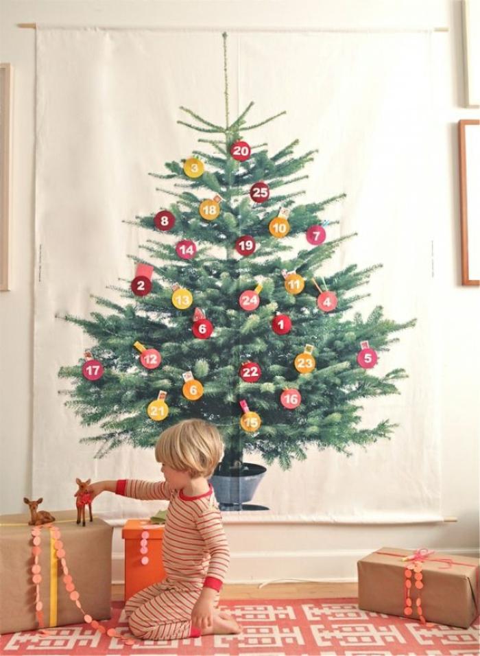 ideas sobre como adornar un arbol de navidad, calendario de adviento DIY para colgar a la pared, decoración casera original