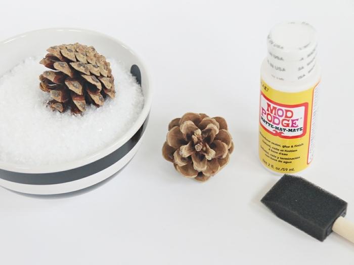 las mejores ideas sobre como hacer guirnaldas de navidad hechas a mano, guirnaldas DIY de materiales reutilizados