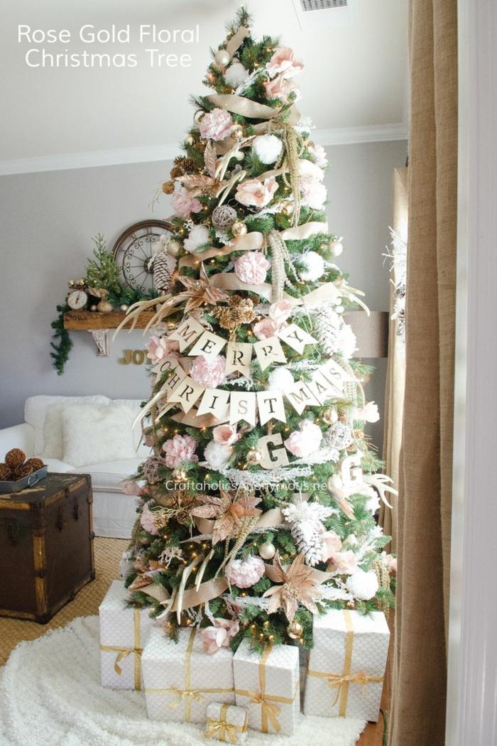 como adornar un arbol de navidad según las últimas tendencias 2019, adornos navideños en color rosa y beige, fotos para decorar la casa