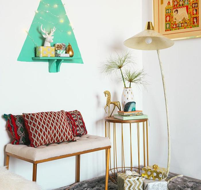 originales ideas de alternativas árbol navideño, como adornar un arbol de navidad en fotos, decoración en estilo vintage