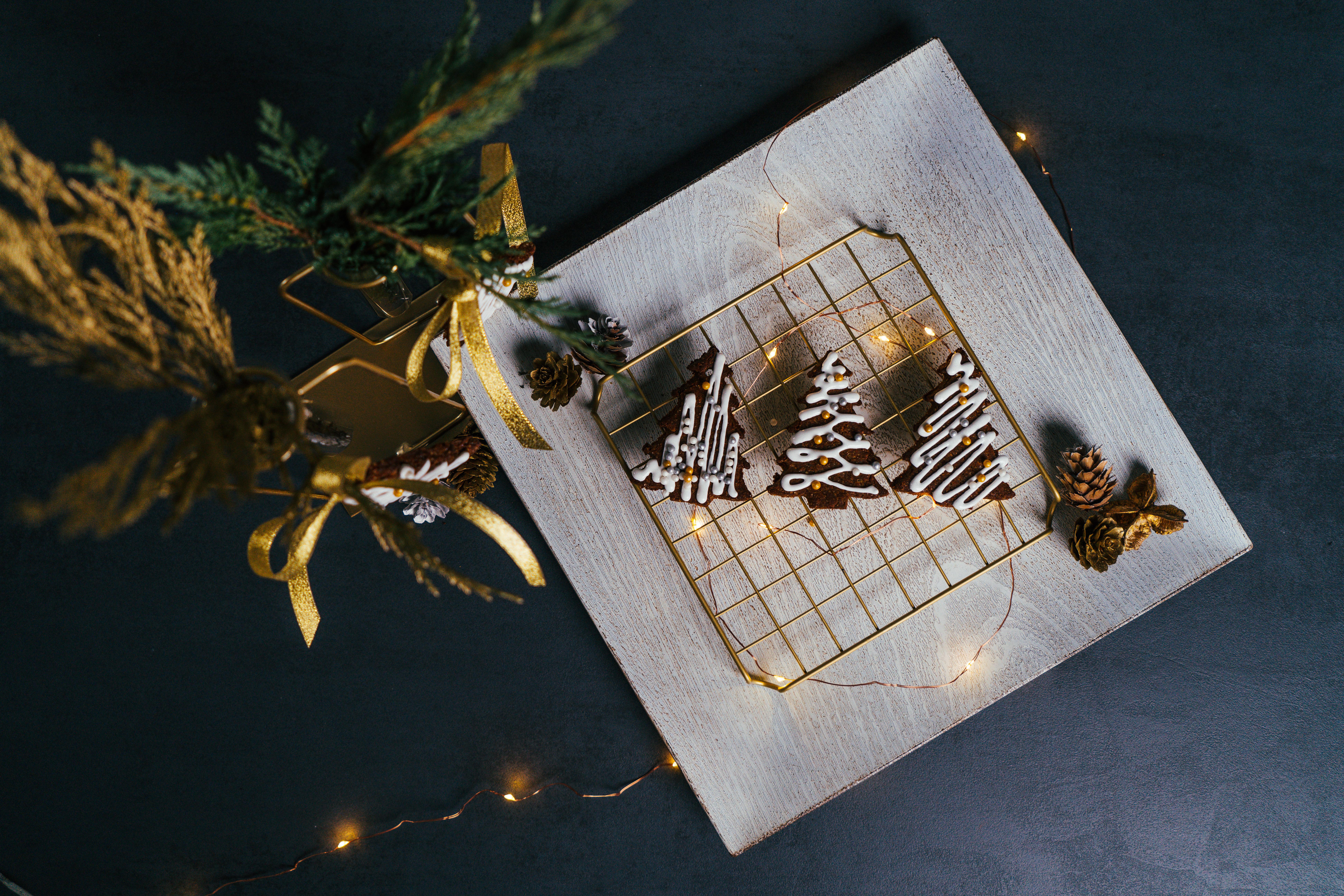 las mejores ideas sobre como decorar la casa en navidad, adornos navideños DIY originales paso a paso, fotos de galletas