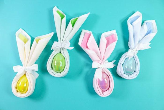 huevos pintados de Pascua, ideas de manualidades de Pascua originales, propuestas sobre como doblar servilletas de tela