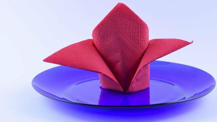 ideas de doblar servilletas navidad y otras fiestas especiales, trucos caseros para decorar la casa, manualidades con papel