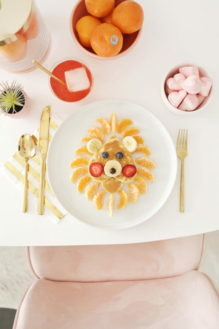 desayunos ricos y recetas faciles para niños, crepes decorados en forma de cara de león, divertidas propuestas de recetas caseras