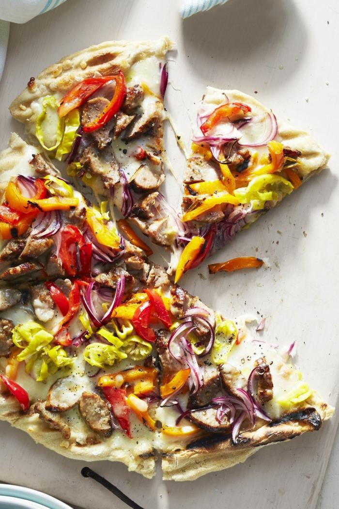 pizzas caseras ricas con vegetales, pizza con harina integral para compartir, ideas de platos vegetarianos originales
