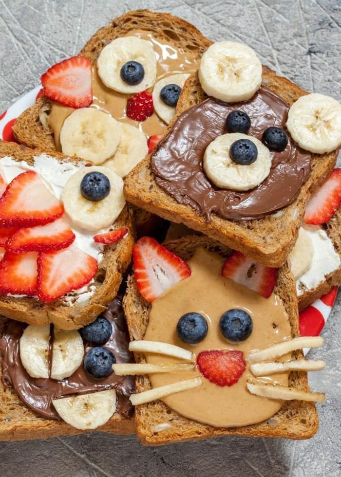tostadas con manteca de maní y frutas, divertidas ideas de desayuno para tu pequeño, comidas ricas y faciles de hacer