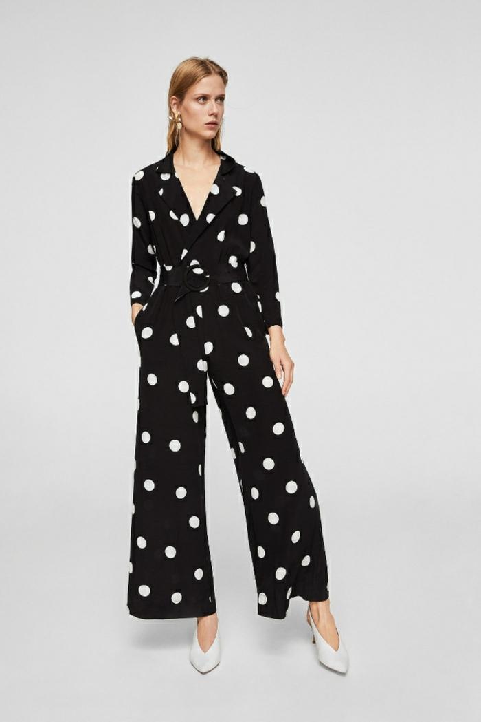vestidos para nochevieja y monos para llevar en una fiesta fin de año, mono con pantalon ancho color negro con estampado de lunares