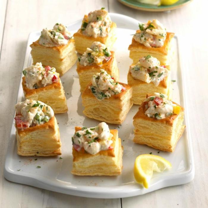 mini empanadas de hojaldre con ensaladilla rusa, entrantes para sorprender a tu familia, más de 100 ideas de recetas de entrantes