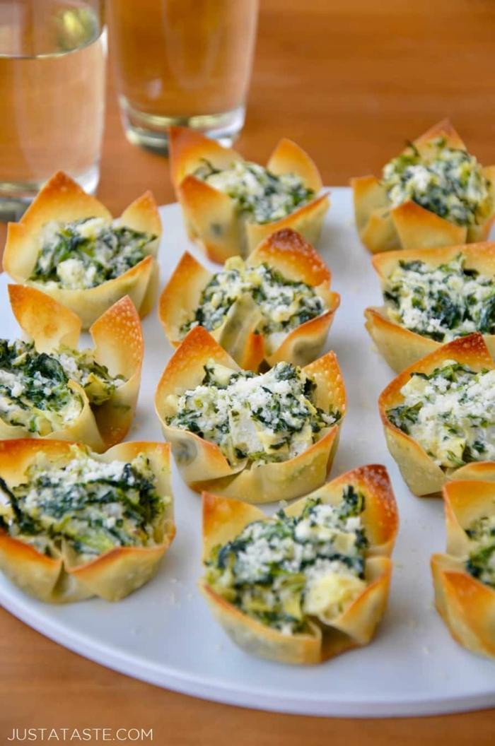 copas con espinacas y queso, tartaletas vegetarianas con queso rallado y espinacas, recetas de platos vegetarianos ricos