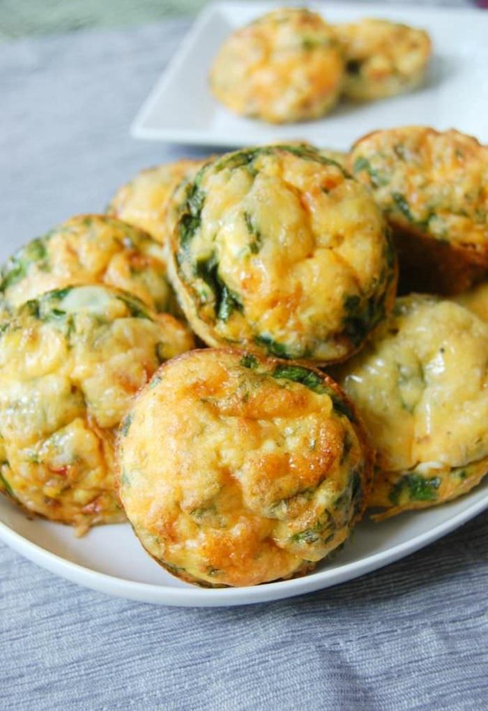 magdalenas saladas con huevos y espinacas, entrantes fáciles y rápidos e ideas de primeros platos fáciles para niños
