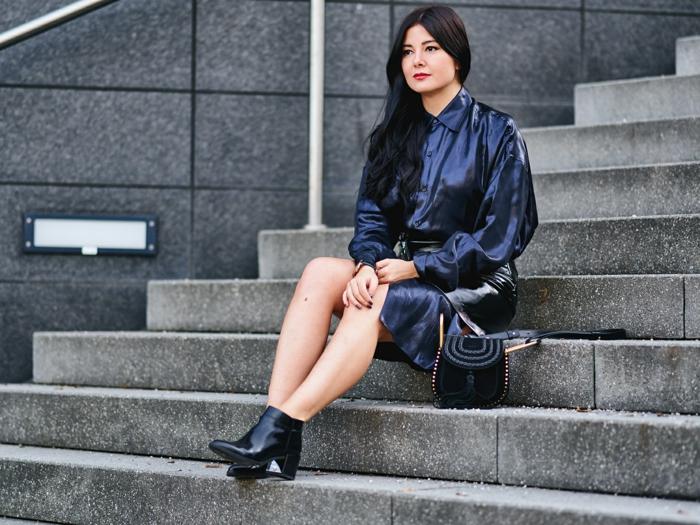 ideas para un outfit moderno y sofisticado para Nochevieja, prendas para llevar en una fiesta de fin de año en fotos