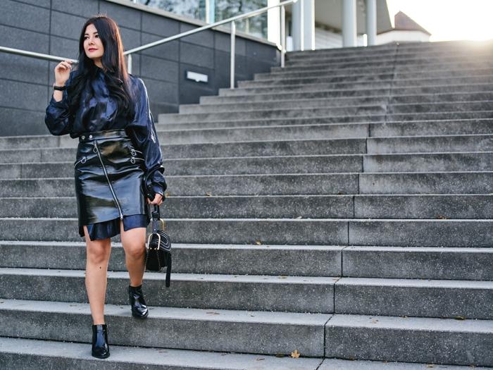 super originales ideas sobre como elegir tu ropa nochevieja, prendas modernas y bonitas, botas negras modernas