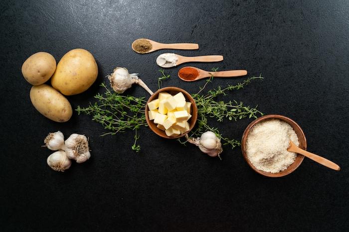 que es lo que necesitas para hacer patatas hasselback, recetas fáciles y originales para hacer en casa en fotos