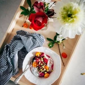 ¿Cómo sorprender a tu pareja con un desayuno romántico y super rico?
