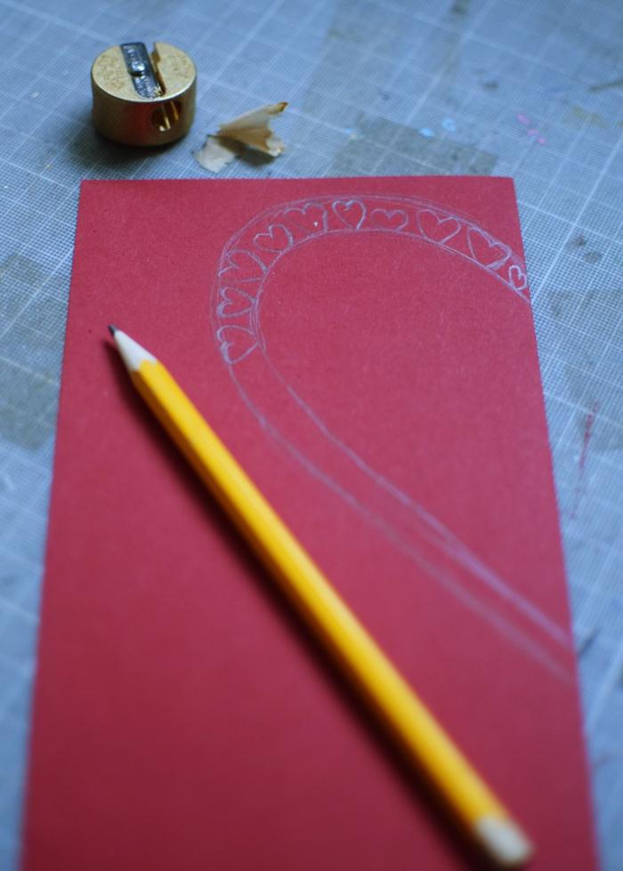 tarjetas de cartulina color rojo, ideas de tarjetas personalizadas super bonitas, postales de amor especiales para regalar