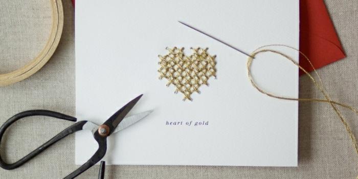 originales ideas de postales de amor con bordado, las mejores ideas de tarjetas DIY para hacer en casa, fotos de tarjetitas caseras